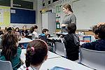 À l'école Anatole-France, en REP, le dédoublement des classes de CE1 est effectif depuis la rentrée. Ici la classe de Lou Fisher qui compte 13 élèves.