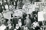 Manifestation dans les rues d'Ivry et de Vitry le 24 mai 1968. © Ibid. 40Fi5