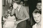 La toilette du matin à Saint-Rémy-sur-Durolle en 1966. 33Fi6-202